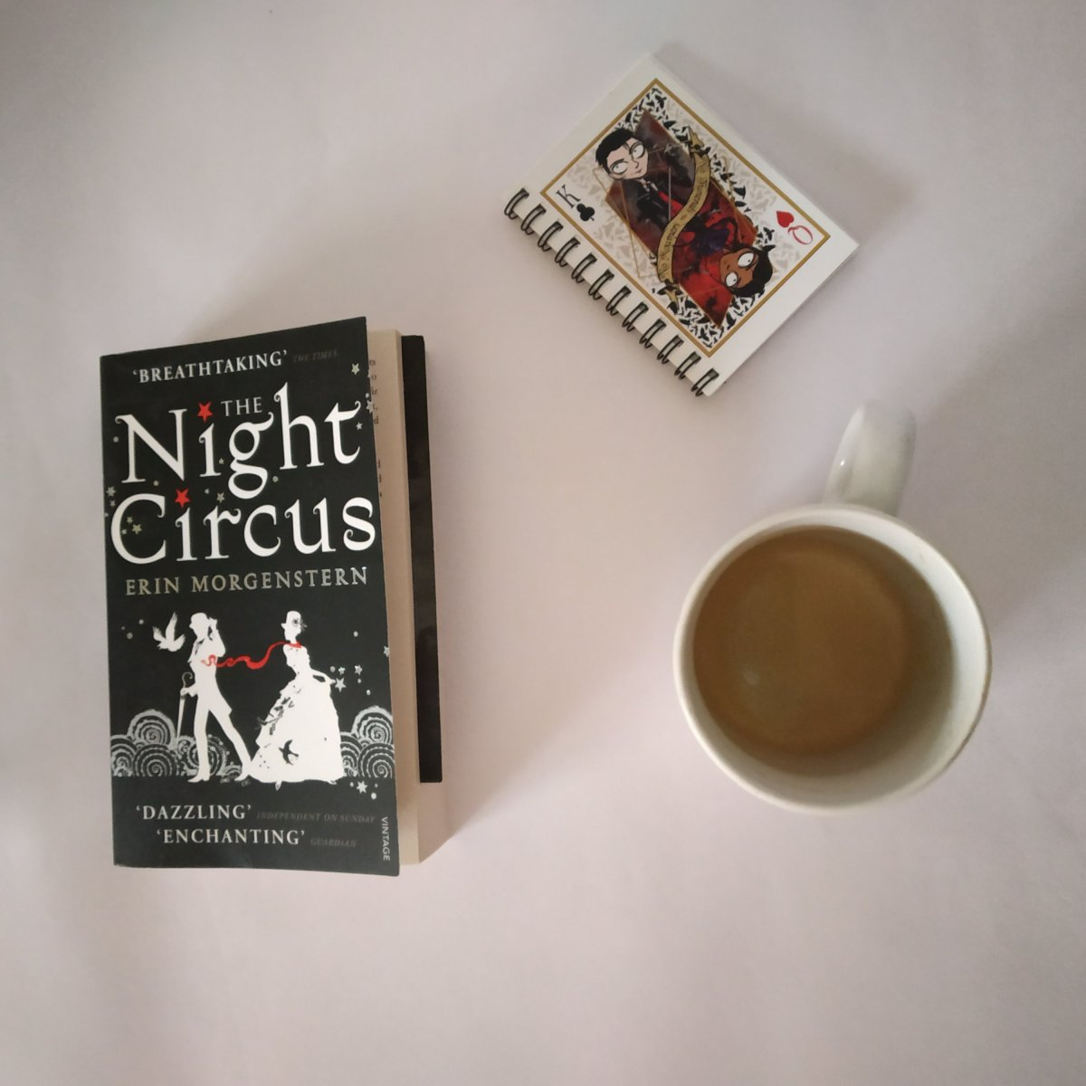 The Night Circus is a dream that I would hate to wake up from.A mustread!