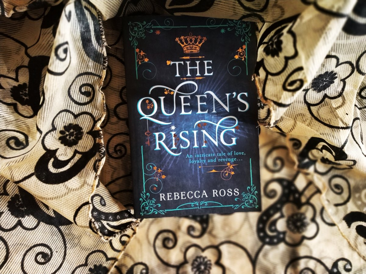 Review of The Queen's Rising by RebeccaRoss